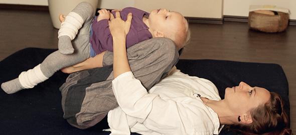 ANANDA PUR | yoga baby & mutti